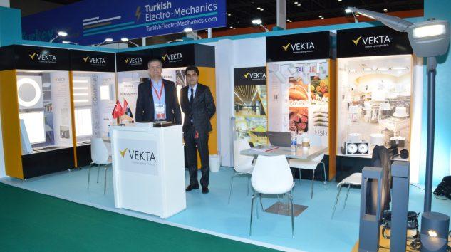 Vekta Aydınlatma Dubai'de ortadoğulu ziyaretçilerle buluştu.