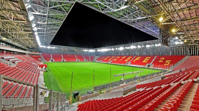 Türkiye'nin ilk dinamik LED aydınlatmalı stadyumu